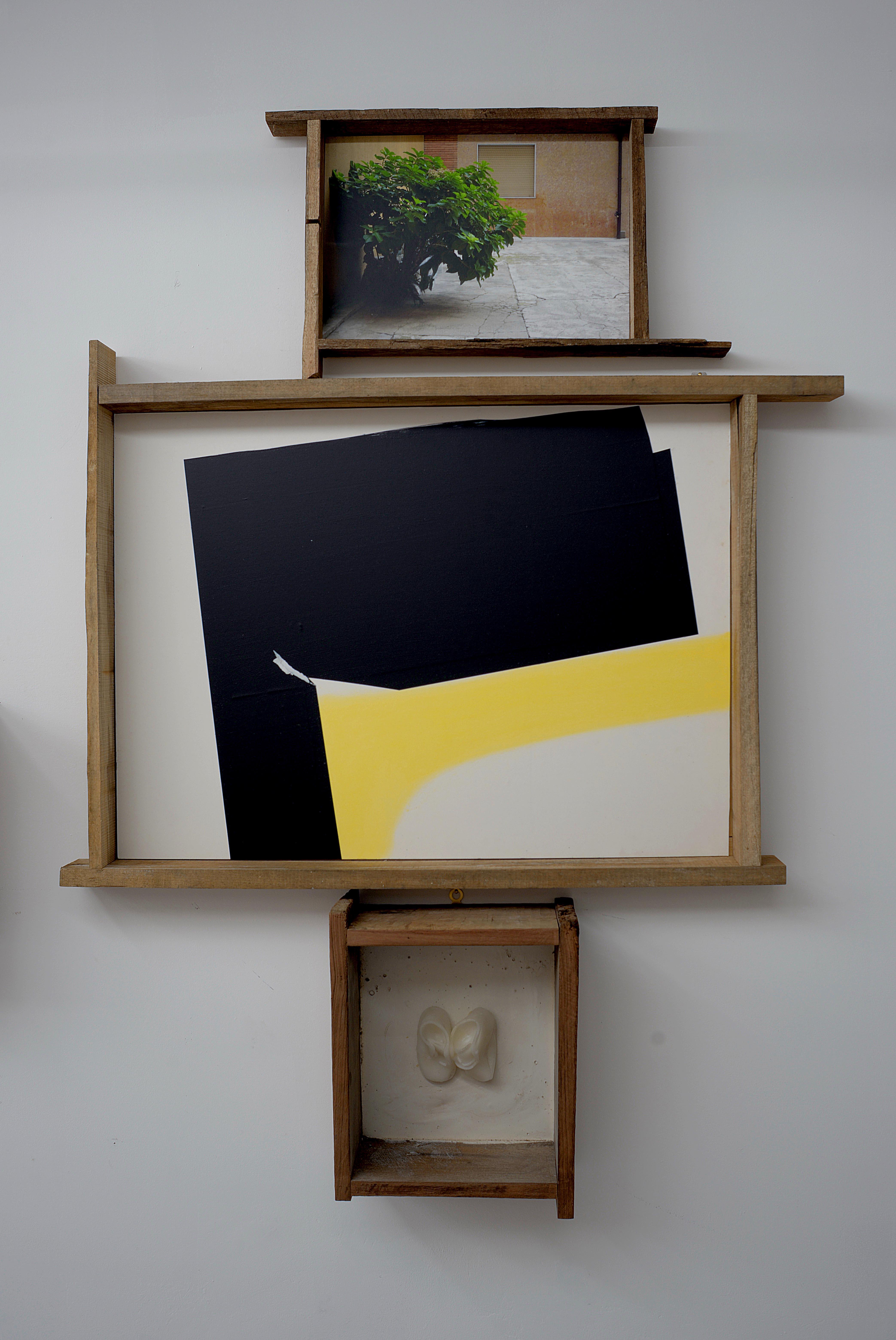 Beata Solitudo Sola Beatitudo, 2015, fotografia, pigmenti, pastello, cera, gesso, legno, cm 173x120x18