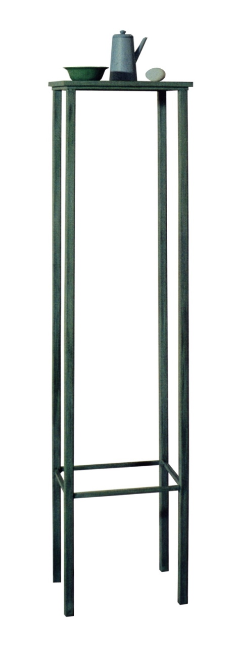 Vestígio, A ciência do excesso, natureza-viva, 1987, mixed media, iron table painted, 175 x 33,5 x 32,5 cm
